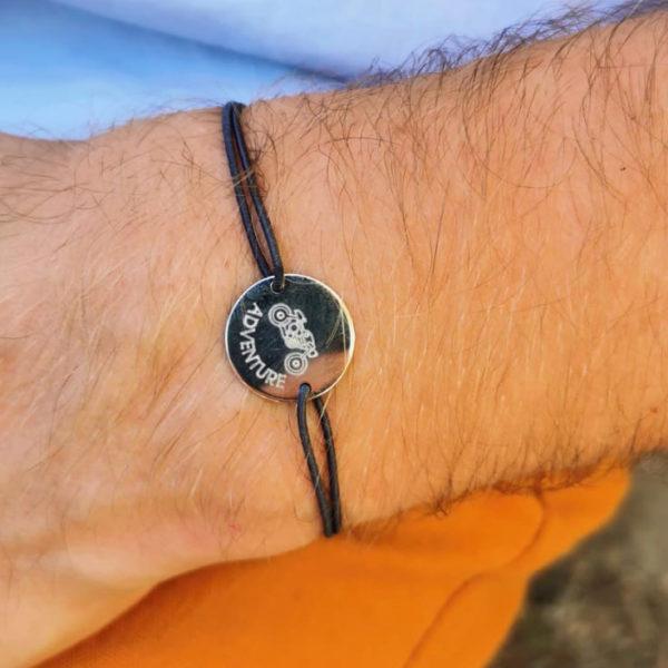 Bracelet homme personnalisé médaille gravée argent 2 trous 20 mm