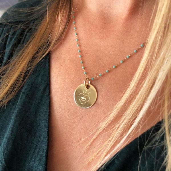 Médaille et chaine turquoise